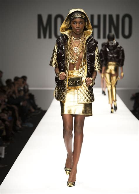 MOSCHINO FALL WINTER 2014-15 WOMEN'S COLLECTION | The