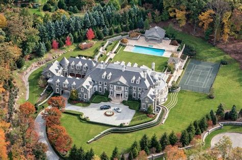 Top 10 Most Expensive & Luxurious Houses In The World