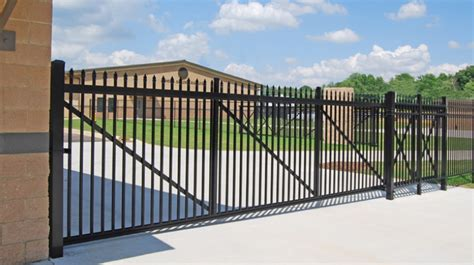 Aluminum Cantilever Gates for Residential - Commercial