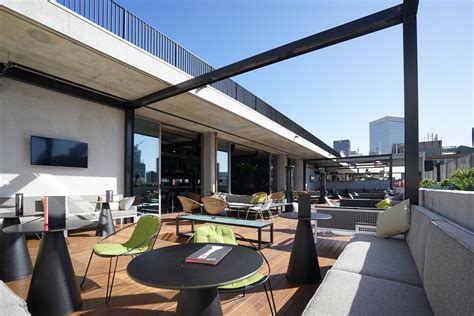 QT Melbourne Review | The City's Stand-Out Hotel - Hey Gents