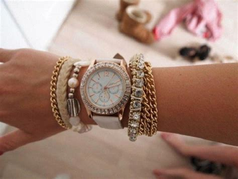 Multiple Bracelets: Trendy Way to Wear Your Accessories